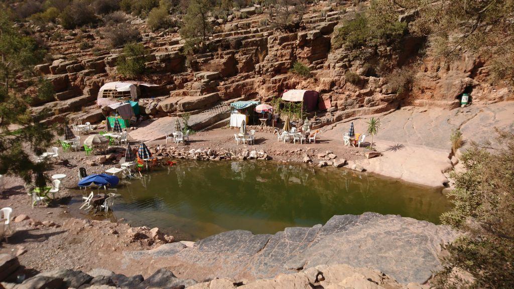 Valea Paradisului – drumeţie printre lacuri naturale si palmieri în Maroc