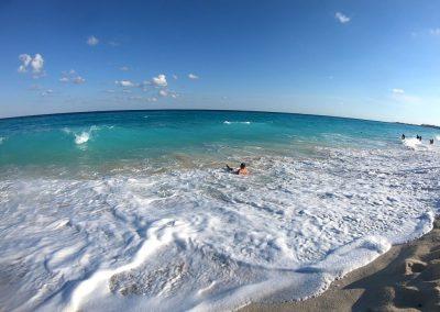 Playa Delfines3