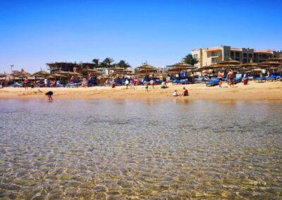 White Beach Albatros plaja1